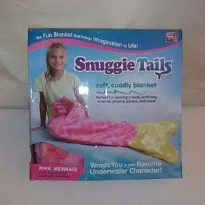 Snuggle Tails Mermaid Pink Blanket